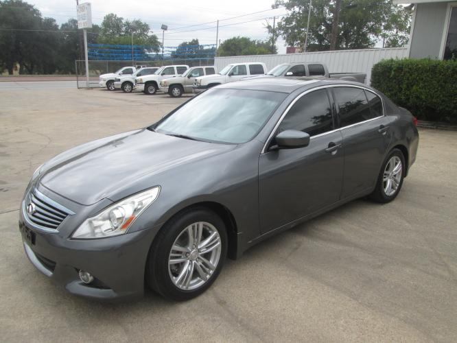 2013 GRAY Infiniti G Sedan 37 Journey (JN1CV6AP7DM) with an 3.7L V6 DOHC 24V engine, 5-Speed Automatic transmission, located at 1815 NE 28th St., Fort Worth, TX, 76106, (817) 625-6251, 32.795582, -97.333069 - Photo #0