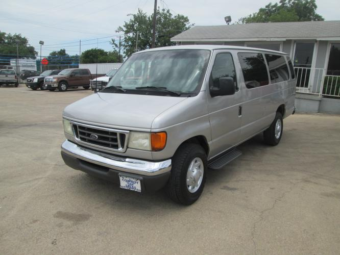 2003 Ford E-Series E-350 Extended